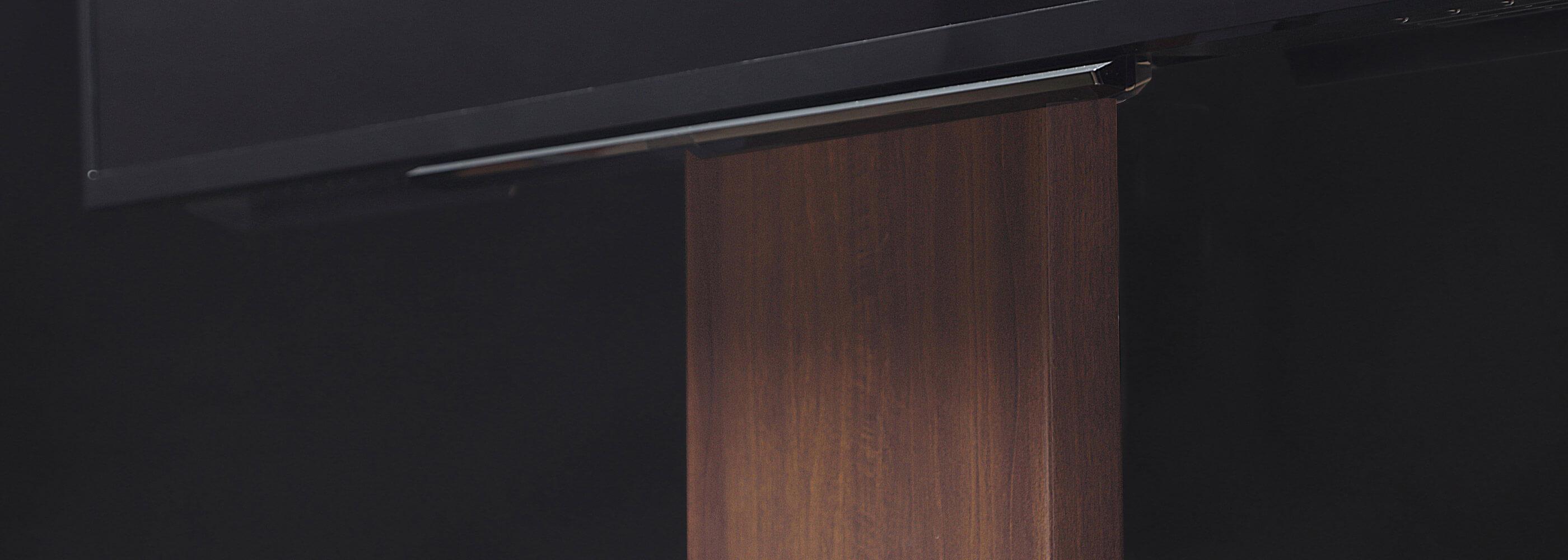 WALL INTERIOR TV STAND PRO 壁寄せテレビスタンドPRO 特徴