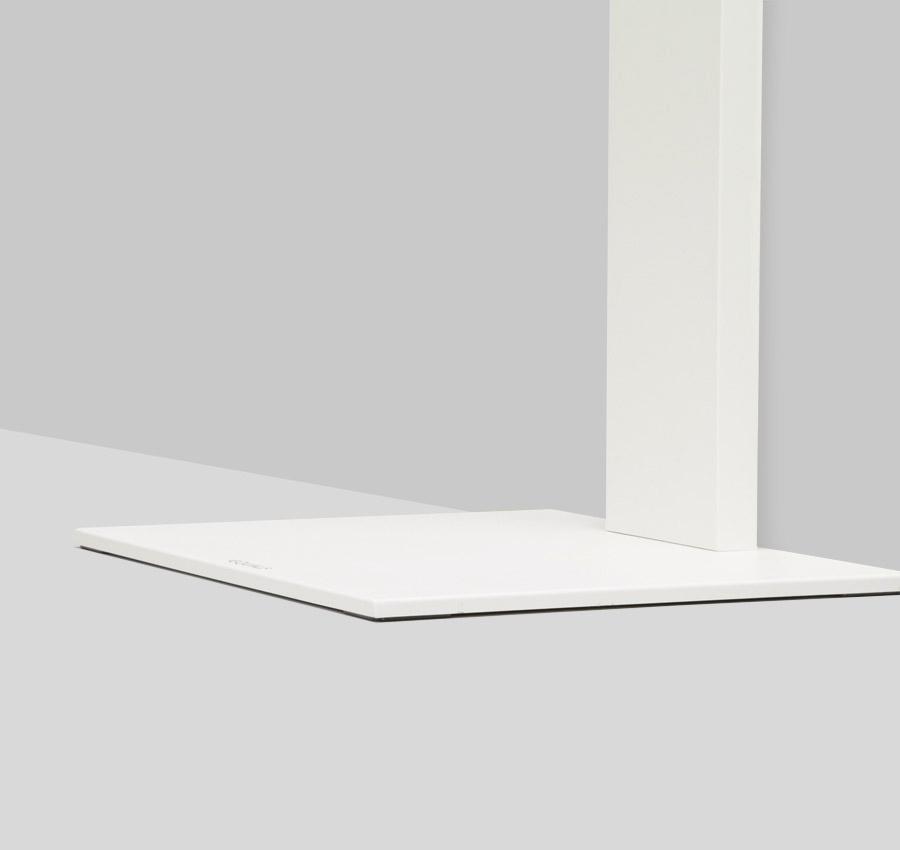 空間と同化する、フラットでスリムなデザイン